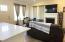 609 NW Inn Way, Waldport, OR 97394 - Great room