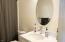 609 NW Inn Way, Waldport, OR 97394 - Guest bath