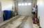 609 NW Inn Way, Waldport, OR 97394 - Garage