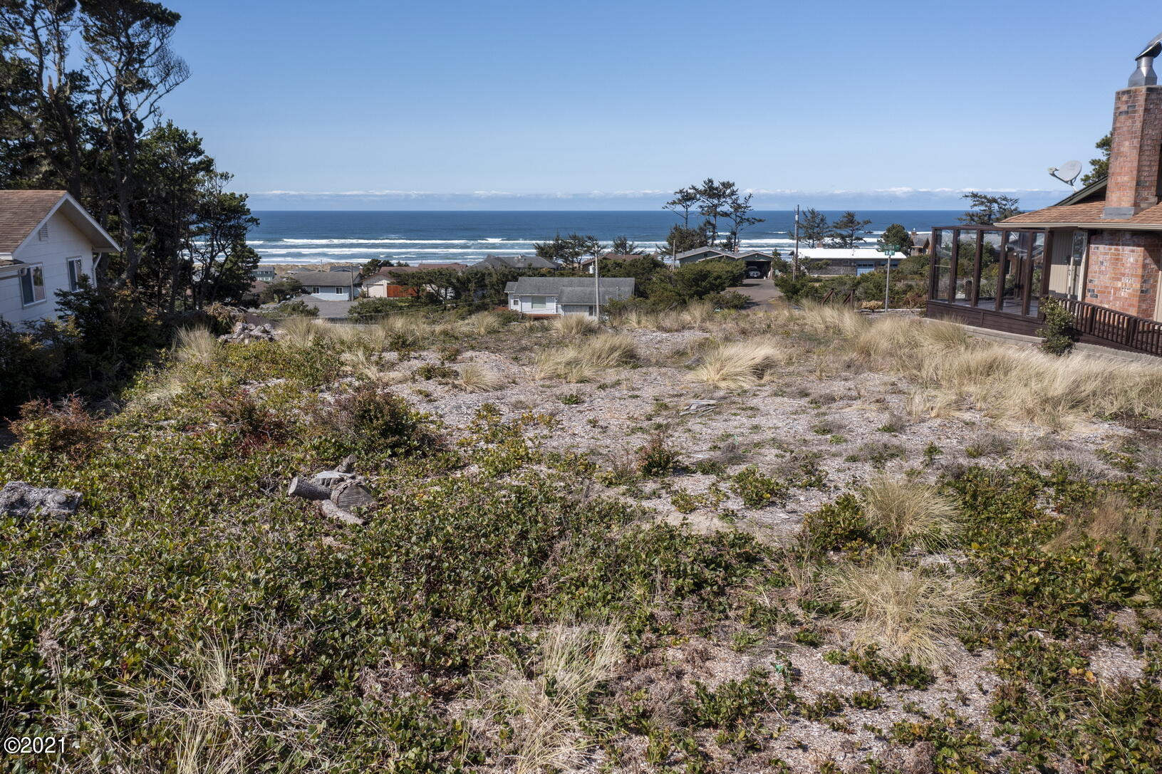 1810 NW Oceanview Dr, Waldport, OR 97394 - 0005
