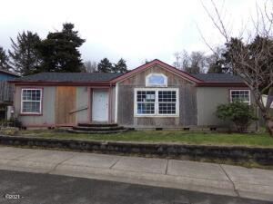 410 SE Neptune Av, Lincoln City, OR 97367 - Front