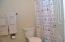 890 SE Bay Blvd, 305, Newport, OR 97365 - Bathroom