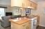 890 SE Bay Blvd, 305, Newport, OR 97365 - Kitchen