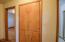 1527 SE Alder Way, Toledo, OR 97391 - Built ins