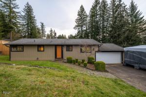 955 SE Loren Ln, Toledo, OR 97391 - Front of house
