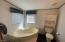 2648 NW Keel Ave, Lincoln City, OR 97367 - Garden Tub
