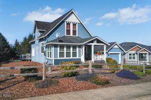 4183 SE Jetty Av, Lincoln City, OR 97367 - Cottage Home