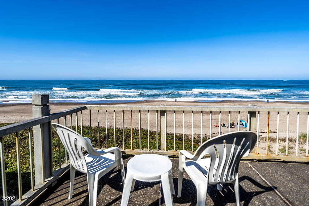 4175 Highway 101, E-2, Depoe Bay, OR 97341 - E2 Ocean deck chairs