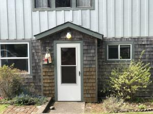 45 NW Willa St, Yachats, OR 97498
