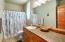 3420 NW Oceanview Dr., #C, Newport, OR 97365 - Bathroom #1