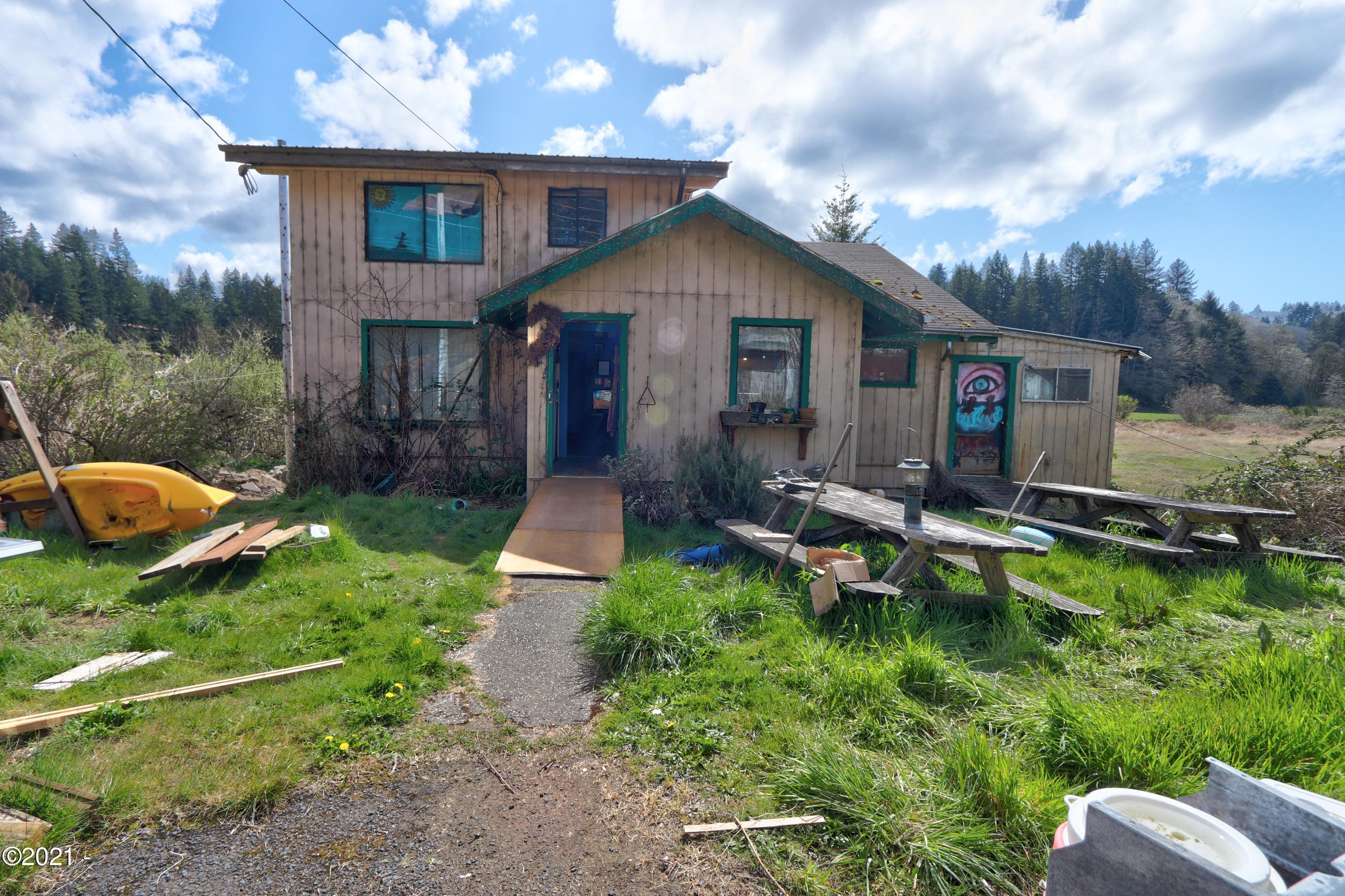 1731 NE Hwy 20, Toledo, OR 97391 - Front of home
