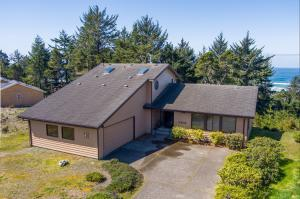 3802 NW Shore View Dr, Waldport, OR 97394 - Aerial Front Of The Home