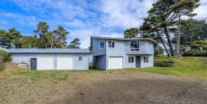 7115 Glen, Gleneden Beach, OR 97388 - 7115 Glen