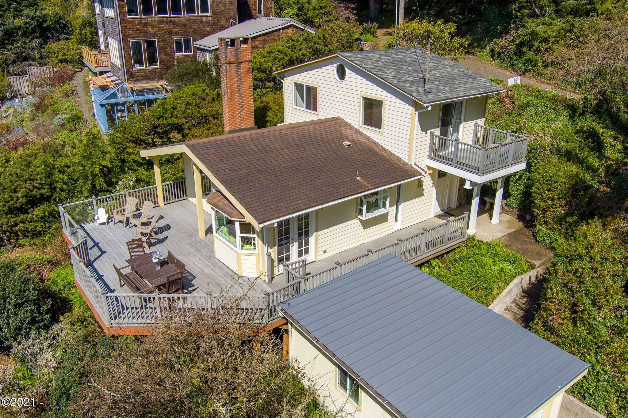 3773 Ross Ave, Depoe Bay, OR 97341