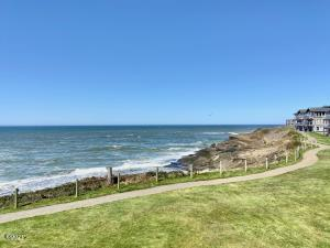 939 NW Hwy 101, C515 WEEK K, Depoe Bay, OR 97341 - Whale Pointe C515 Week K