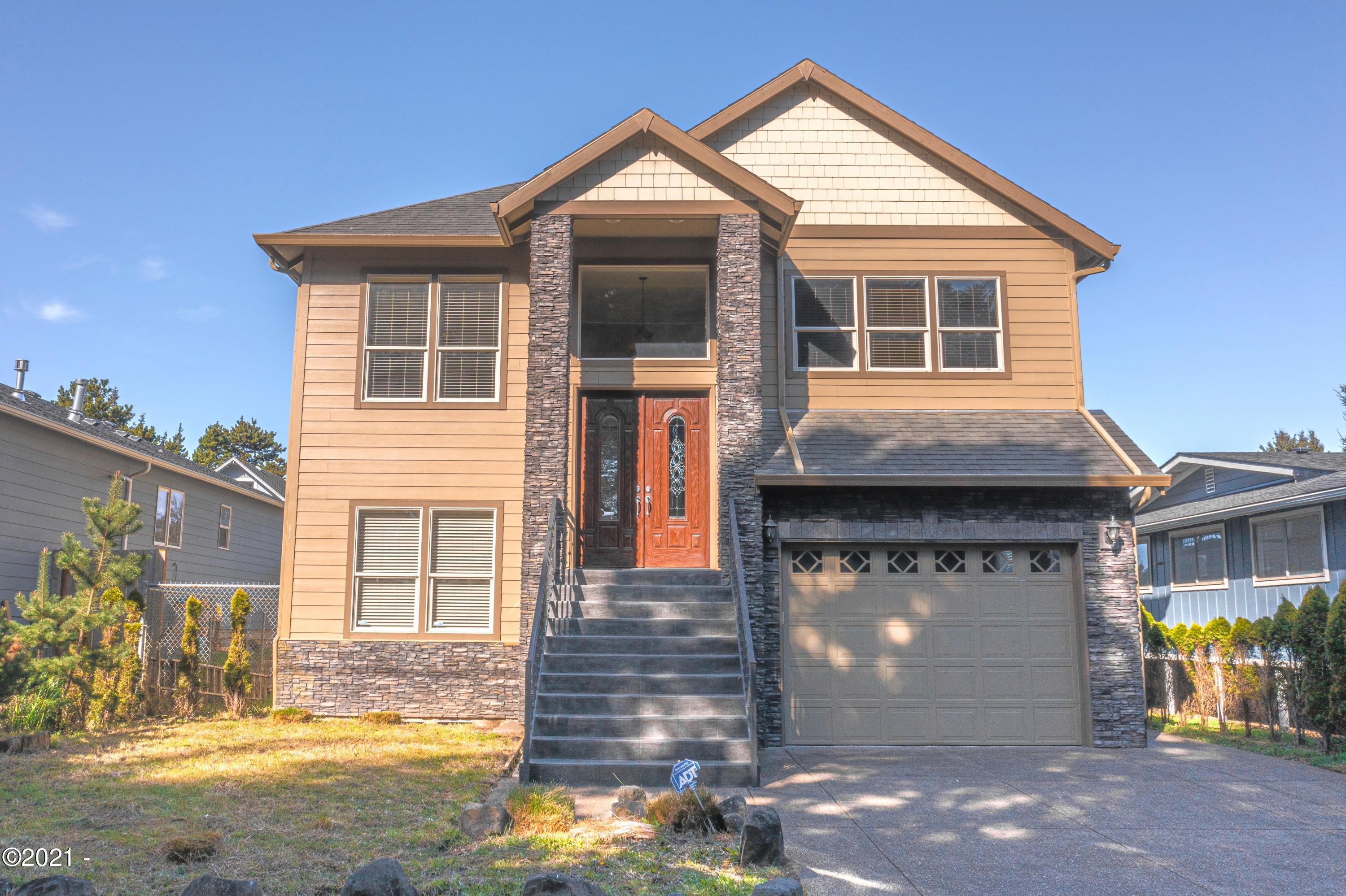 703 SE Keel Ave, Lincoln City, OR 97367 - Front view