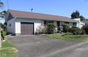 155 Pearl St, Gleneden Beach, OR 97388 - Front of house.