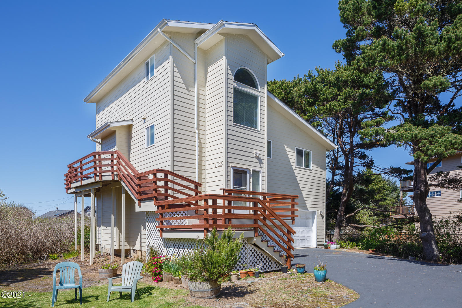 435 SW Edgewater, Depoe Bay, OR 97341