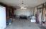 1236 SE Pine St, Toledo, OR 97391 - Garage