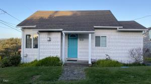 704 SW Fleet Ave, Lincoln City, OR 97367 - 1