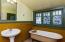 485 N Main St, Toledo, OR 97391 - Bathroom 3 Upper Level