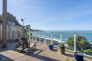 325 SW Coast Ave., Depoe Bay, OR 97341 - Ocean Front Deck & Views
