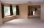 534 SE 2nd St, Toledo, OR 97391 - Great room