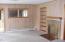 534 SE 2nd St, Toledo, OR 97391 - Living room
