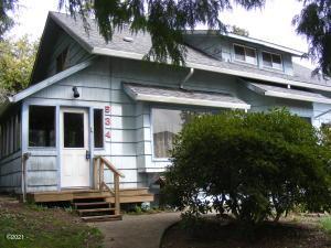 534 SE 2nd St, Toledo, OR 97391 - Front elevation