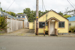 1040 NW Inlet Ave, Lincoln City, OR 97367 - 1040NWInlet (1)