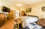 275 Seagrove Loop, Lincoln City, OR 97367 - Master Bedroom