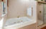 35 SW South Point St, Depoe Bay, OR 97341 - Master Jetted tub