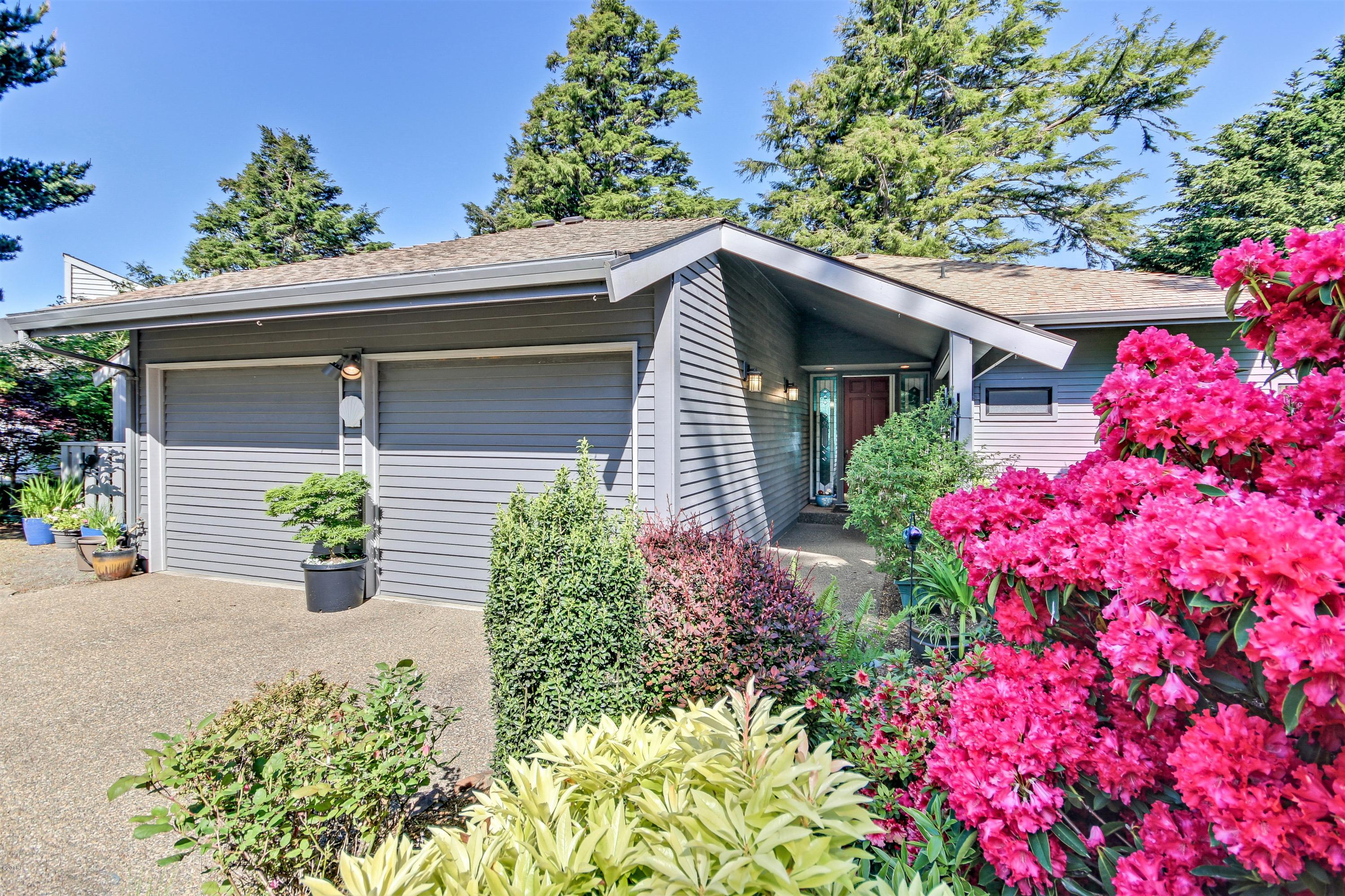 446 Summitview Ln, Gleneden Beach, OR 97388
