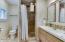 94288 US-101, Yachats, OR 97498 - Full Bathroom