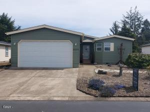 3829 Summit Ridge Cir, Lincoln City, OR 97367 - 3829 Front View