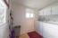 881 SE Fir St, Toledo, OR 97391 - Laundry