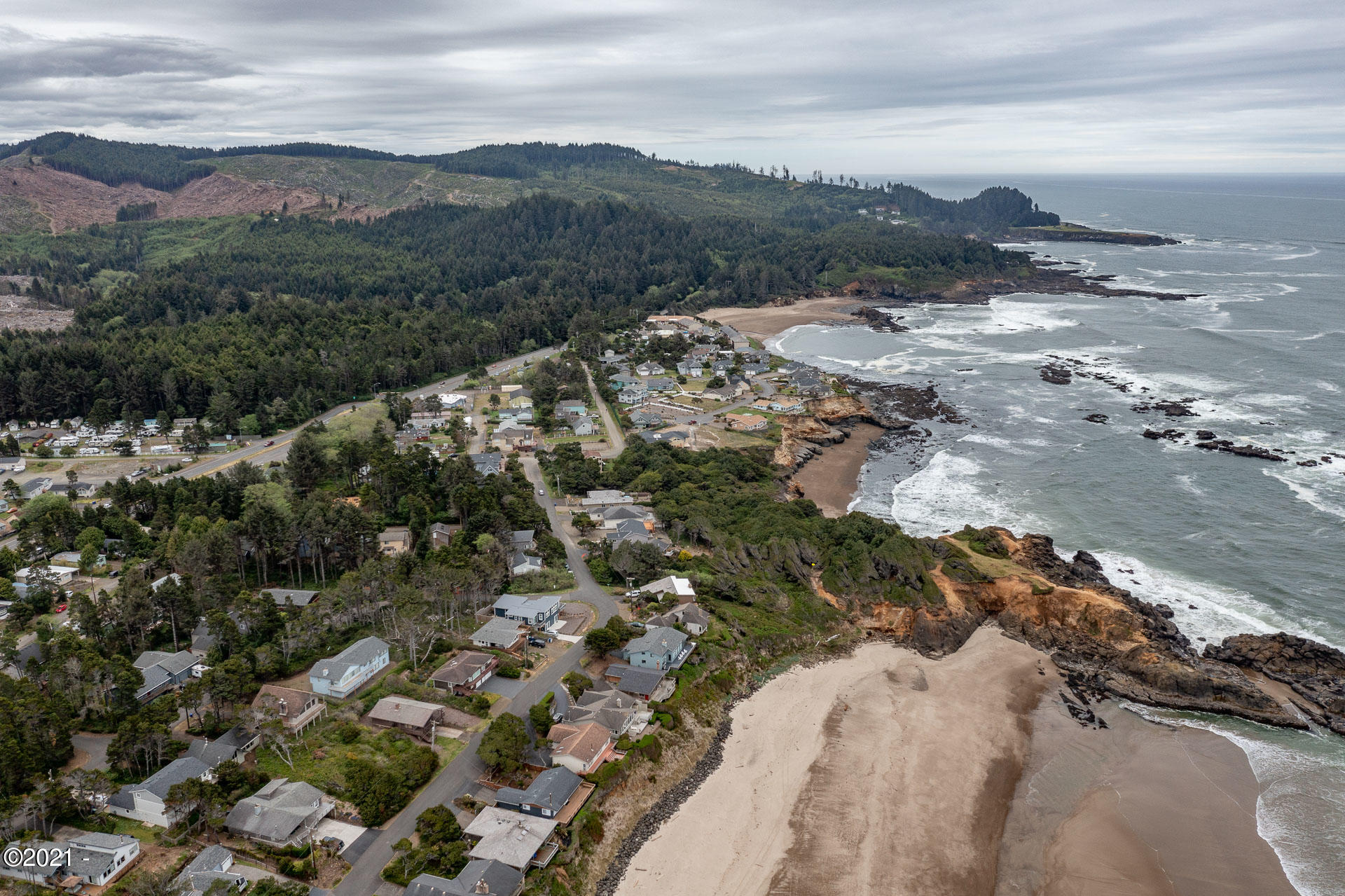 3540 Sea Mist Ave, Depoe Bay, OR 97341 - Aerial view beach