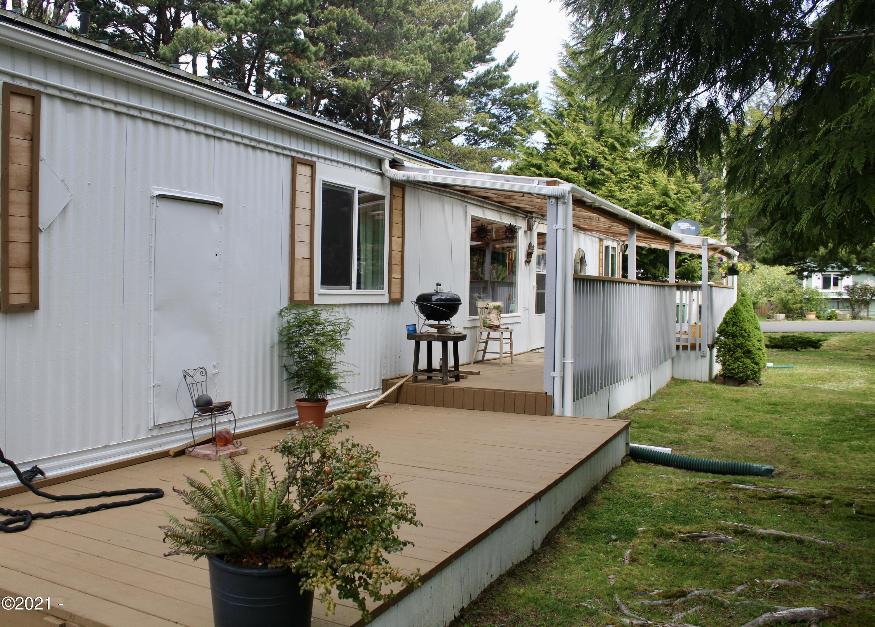 5405 NW Pacific Coast Hwy, 27, Waldport, OR 97394