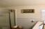 5405 NW Pacific Coast Hwy, 27, Waldport, OR 97394 - Bathroom