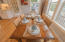 2518 SW Anemone Ave, Lincoln City, OR 97367 - Casual Dining