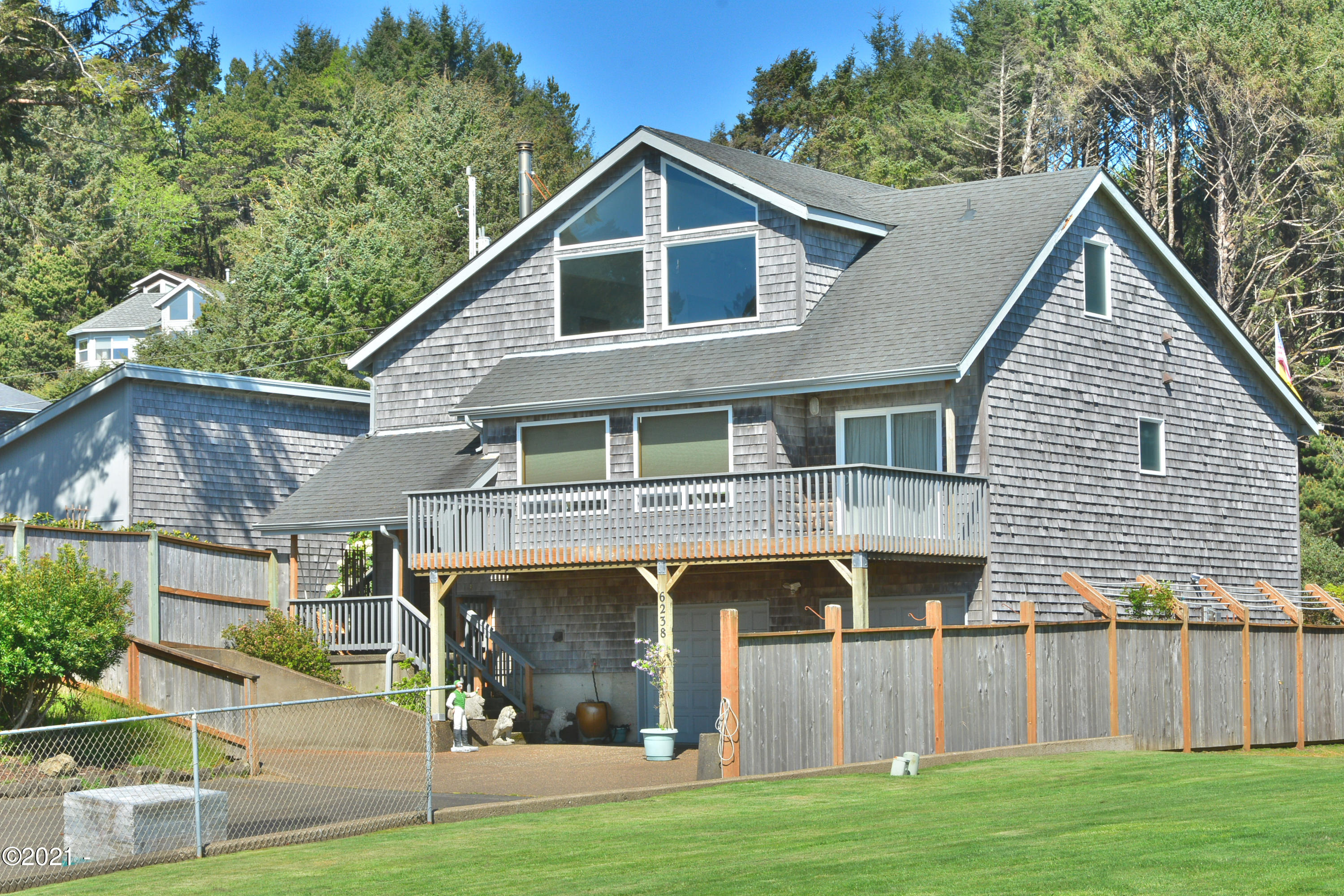 6238 NE Mast Ave, Lincoln City, OR 97367 - SW Front View