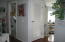 5704 NE Windmill Dr, Newport, OR 97365 - Entry Hall
