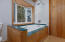 3671 Ross Ave, Depoe Bay, OR 97341 - Generous Master Tub