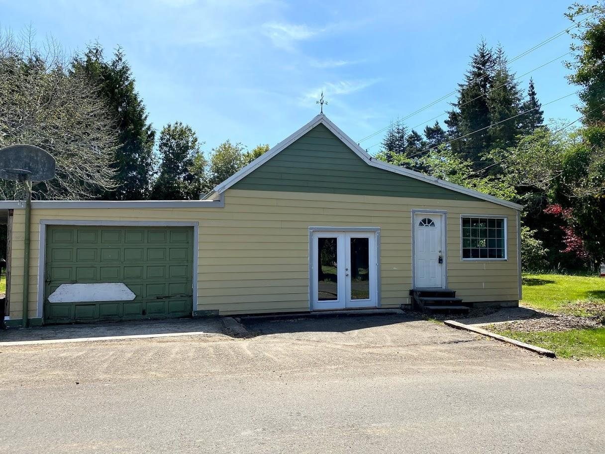 677 SE Moffitt Rd, Waldport, OR 97394 - Front Exterior