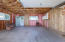 1127 SW Elizabeth St, Newport, OR 97365 - Garage