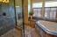 11244 NW Pacific Coast Hwy, Seal Rock, OR 97376 - Jetted Tub & large shower