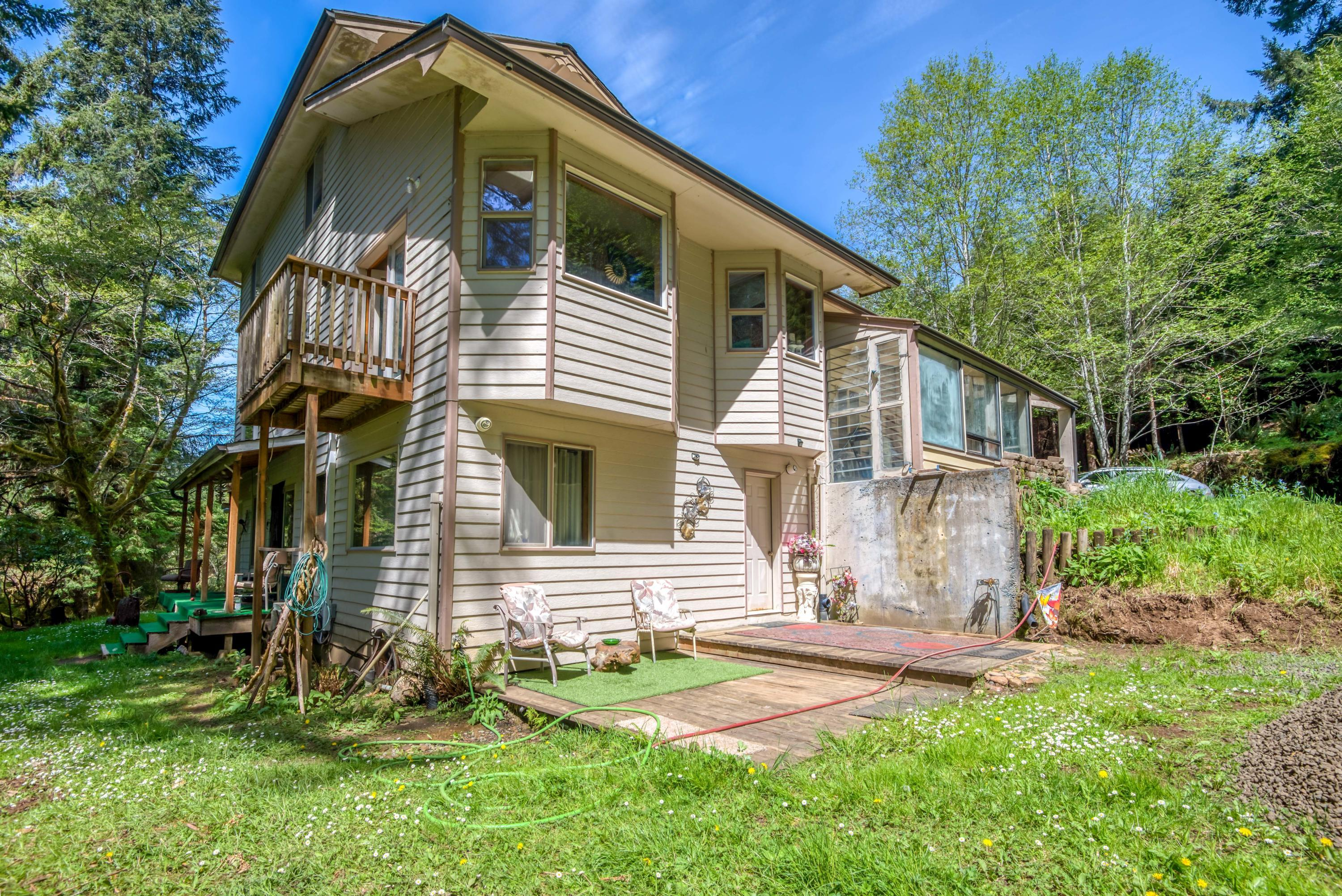 , Yachats, OR 97498 - Front w/Rental Unit
