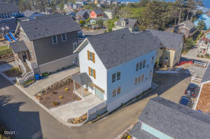 2327 SW Driftwood Ln, Lincoln City, OR 97367 - Front angle view