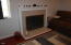 1416 NW Nye St, Newport, OR 97365 - gas fireplace