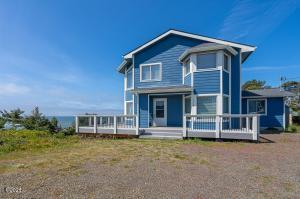 1015 NW Inlet Ave., Lincoln City, OR 97367 - Exterior from street